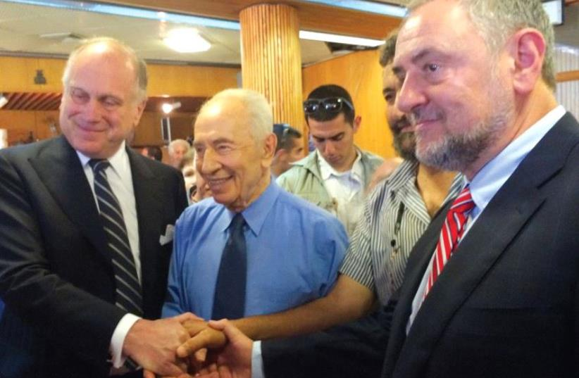 WJC PRESIDENT Ronald Lauder (left): Shimon Peres was always willing to take a chance for peace. (photo credit: WJC)