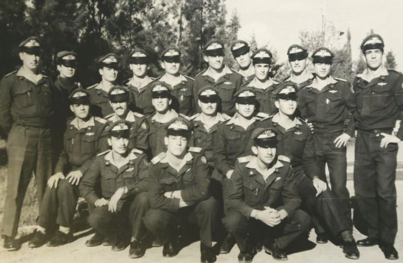 Asher Snir (top row, fourth from right) as a flight-school cadet circa 1962 (photo credit: COURTESY ISRAEL AIR FORCE MAGAZINE)