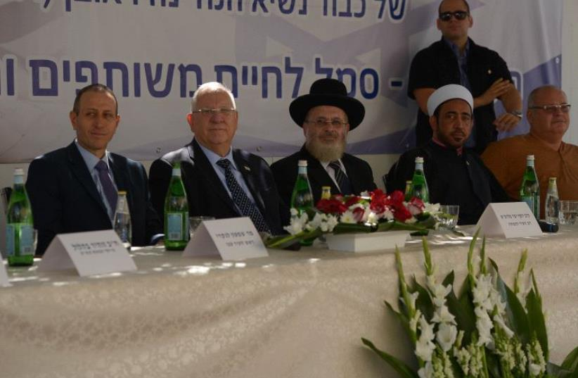 Reuven Rivlin at a multicultural dialogue in Acre on October 18, 2016 (photo credit: ROI BERKOVITCH)