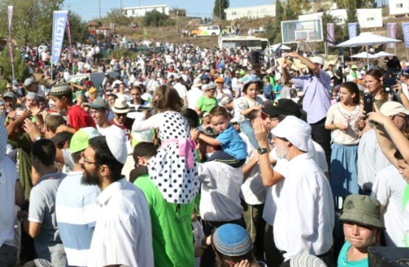 Amona protest (photo credit: Courtesy)