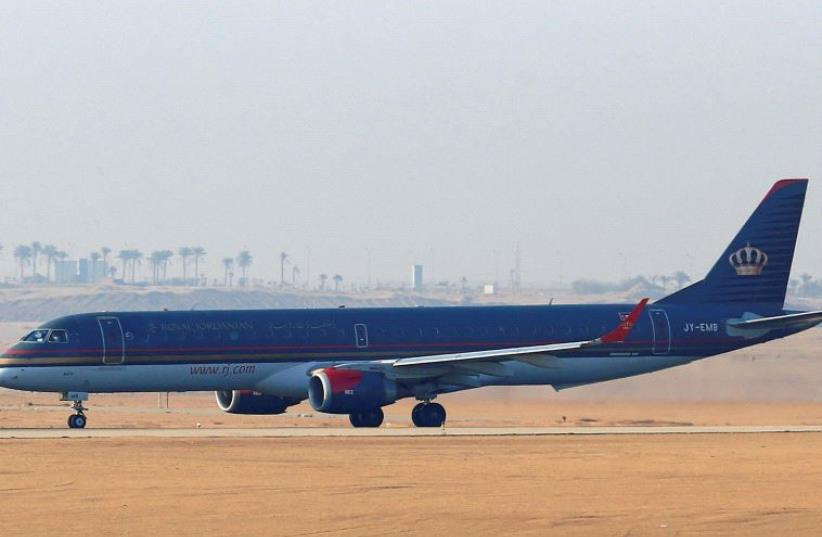 A Royal Jordanian plane takes off on the runway at Cairo Airport, (photo credit: REUTERS)