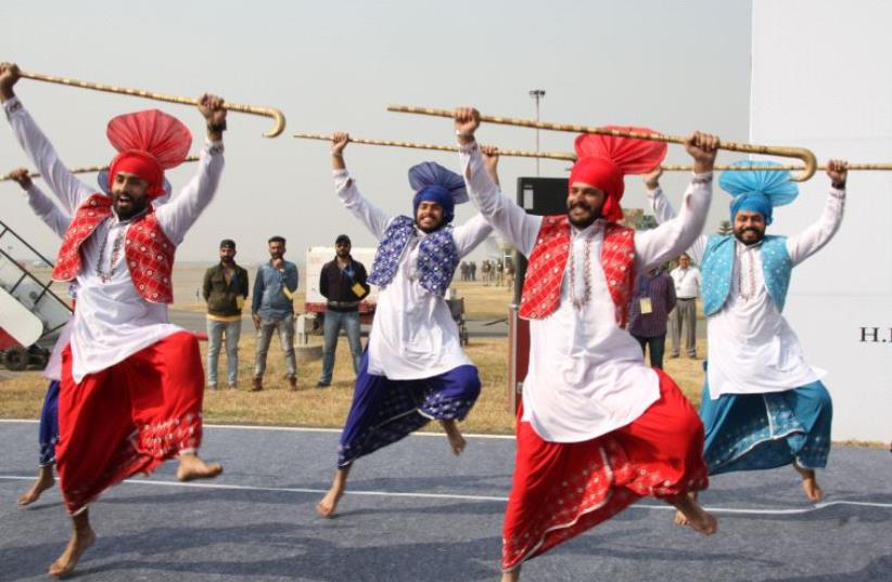 Dancers welcome Rivlin to Chandigarh, India (photo credit: TOVAH LAZAROFF)
