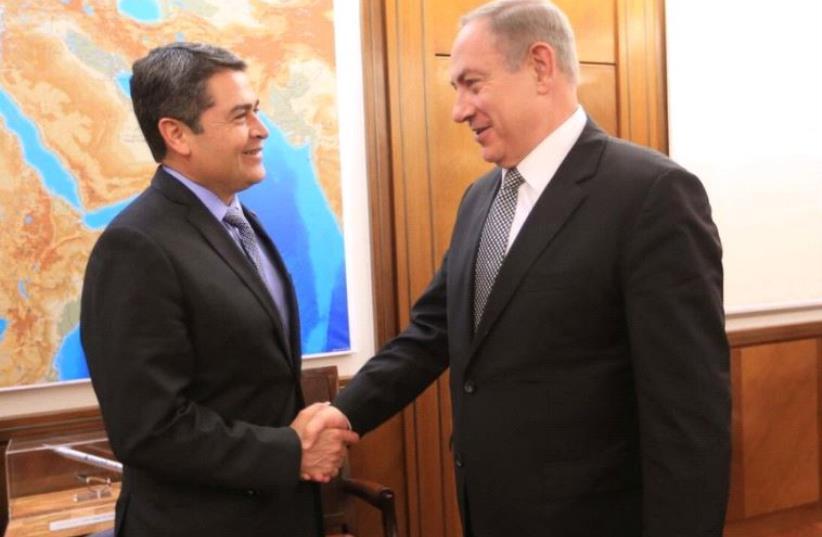 Honduras President Juan Orlando Hernández and Prime Minster Benjamin Netanyahu  (photo credit: TWITTER/ CASA PRESIDENCIAL)