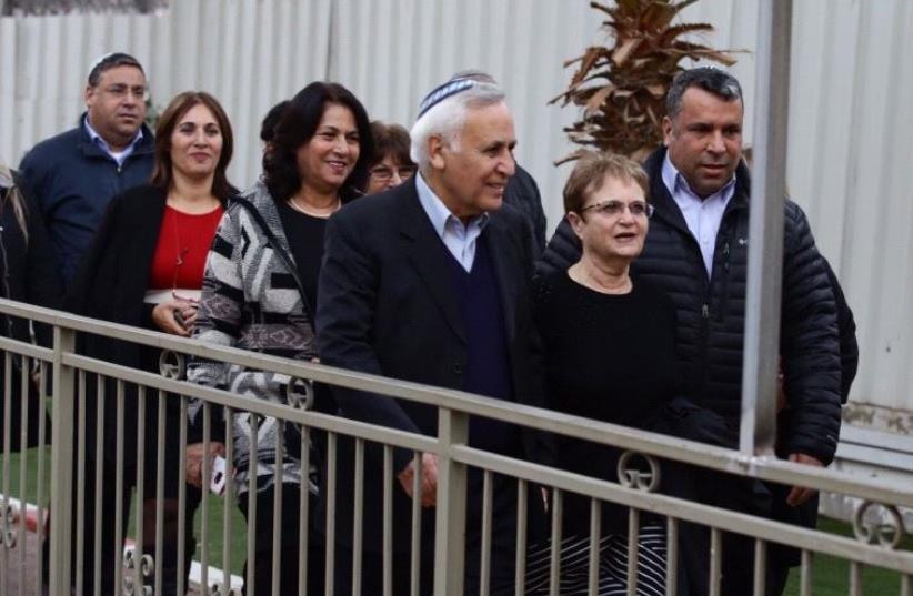 Moshe Katsav leaving prison December 21, 2016 (photo credit: ALONI MOR)