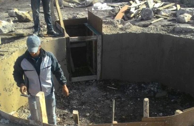 Building the new coal plant. (photo credit: COGAT SPOKESMAN)