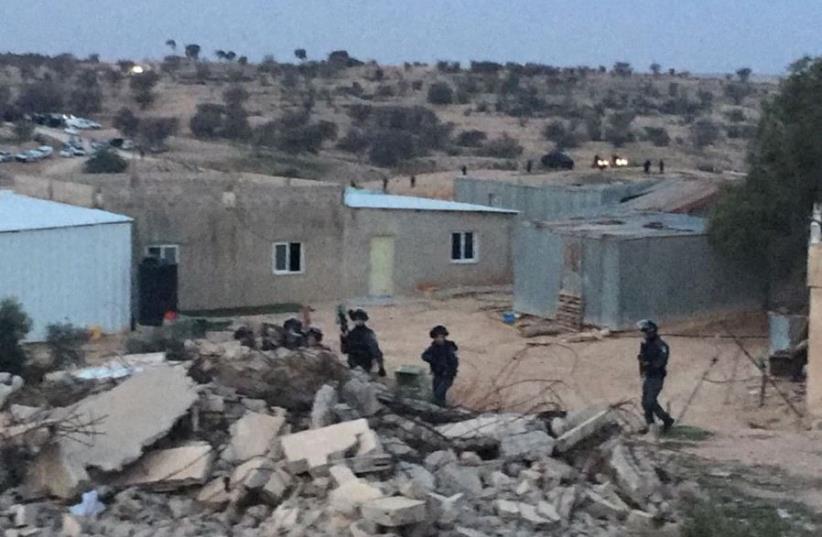 Police in Umm-al-Hiran (photo credit: Courtesy)