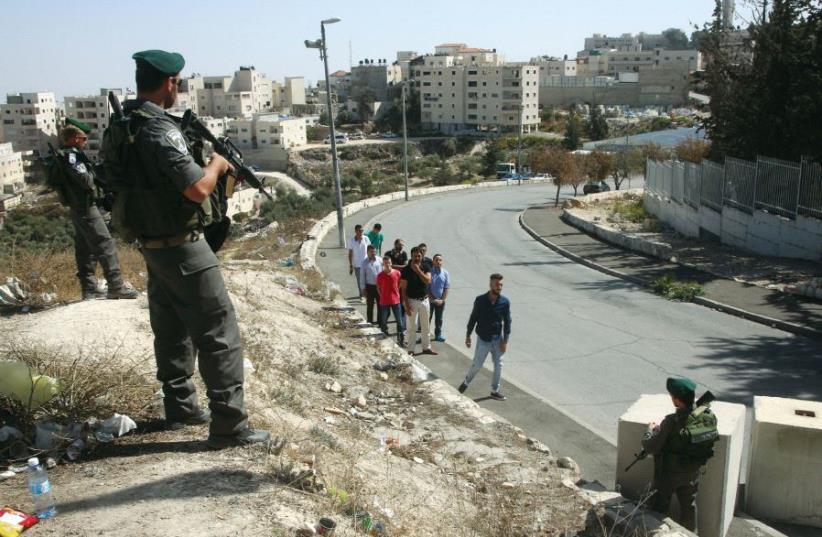 A checkpoint outside Isawiya (photo credit: MARC ISRAEL SELLEM)