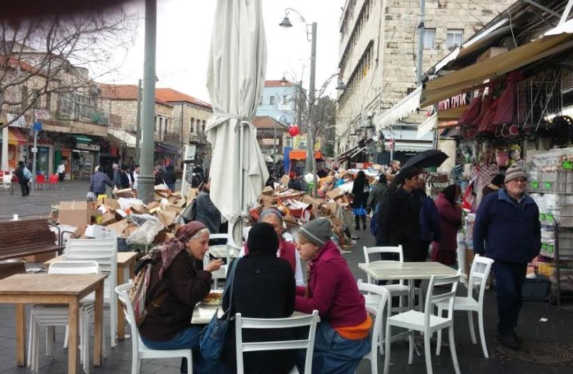 Trash piles up in streets of Jerusalem amid strike (photo credit: DAVID BRINN)