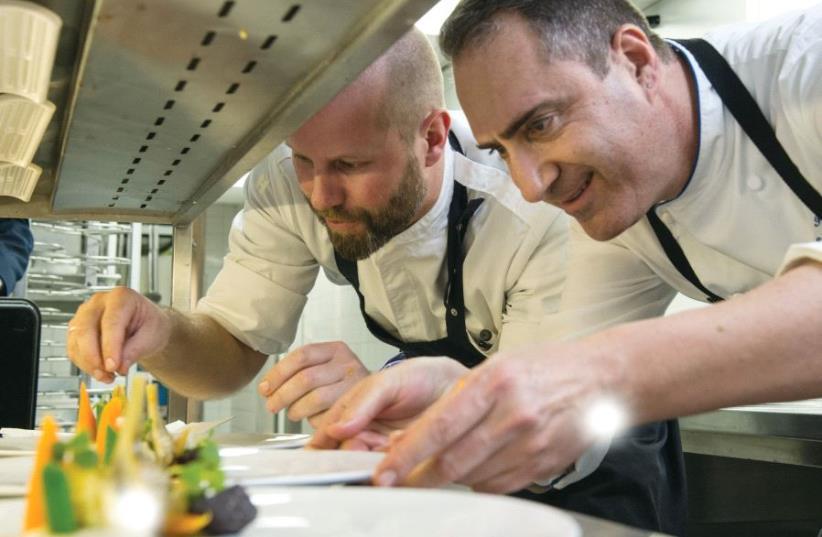 Chefs Sidney Schutte (left) and Itzik Barak (photo credit: WALDORF ASTORIA AMSTERDAM)