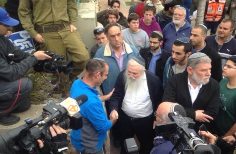 Rabbi Haim Druckman speaking in Ofra (photo credit: JEREMY SHARON)