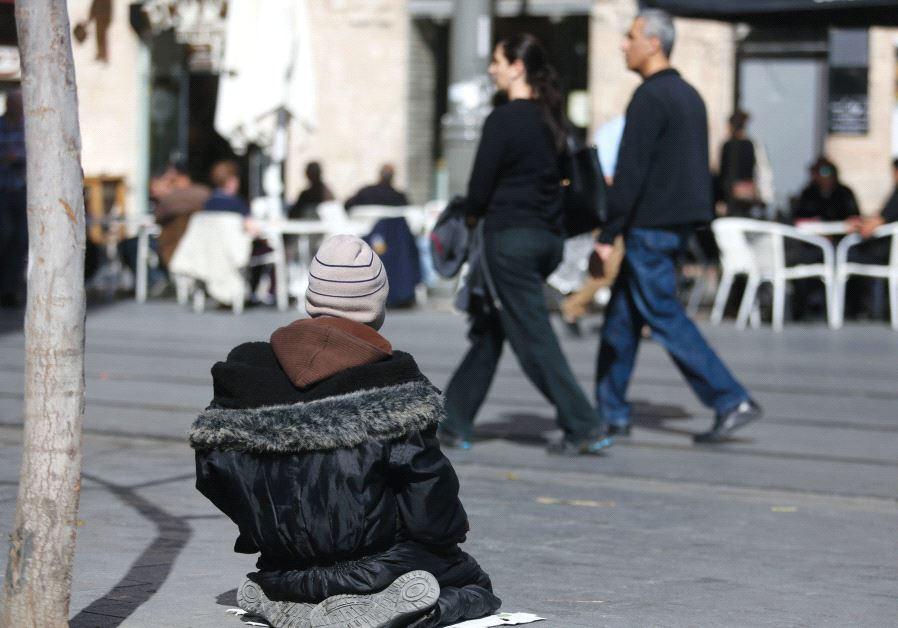A homeless person in Jerusalem / MARC ISRAEL SELLEM