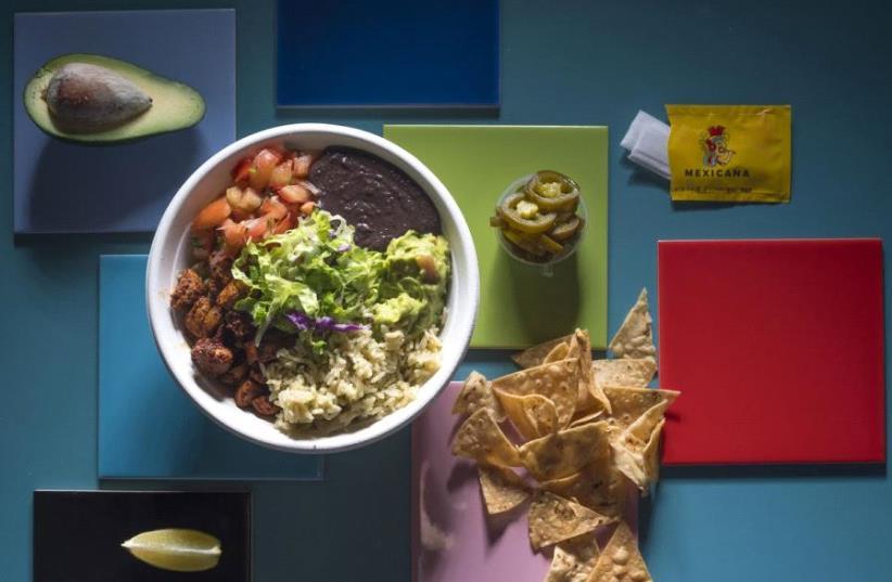 A meal at Mexicana.  (photo credit: ANATOLI MICHAELO)