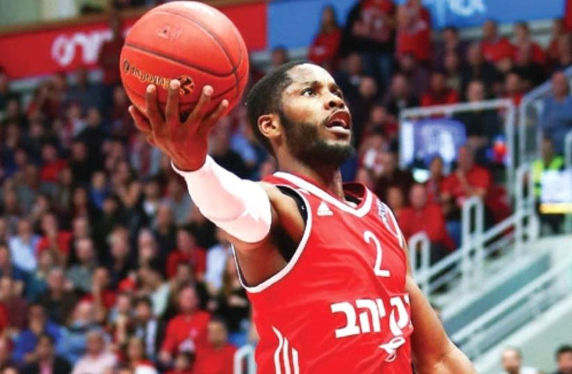 Hapoel Jeru salem guard Jerome Dyson looks to continue his excellent form when the team visits Valencia tonight in Game 1 of the Eurocup semifinals. (photo credit: DANNY MARON)