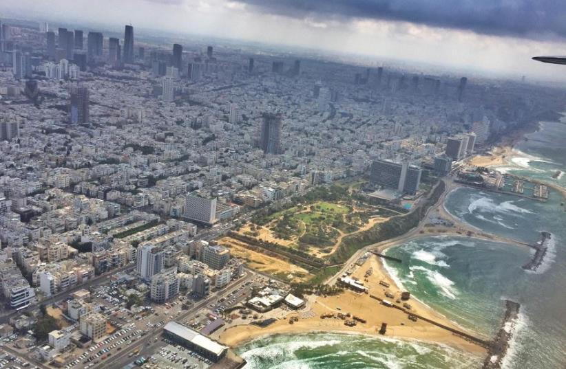 Tel Aviv as seen from the DC-3 (photo credit: ANNA AHRONHEIM)