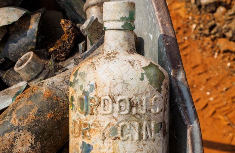 A bottle of Gordon's Dry Gin (photo credit: ASSAF PEREZ, COURTESY OF IAA)