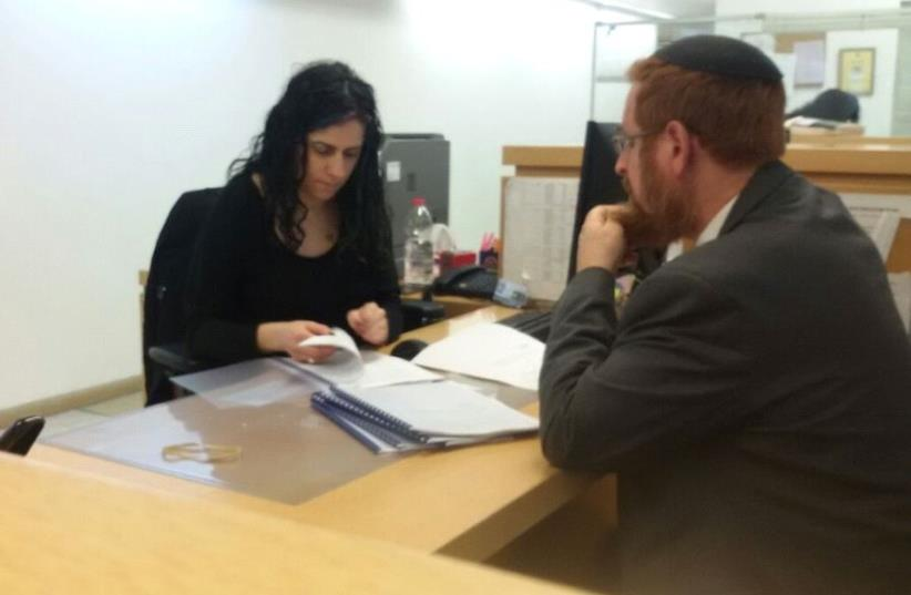 MK Yehudah Glick submitting the petition at the Supereme Court  (photo credit: Courtesy)