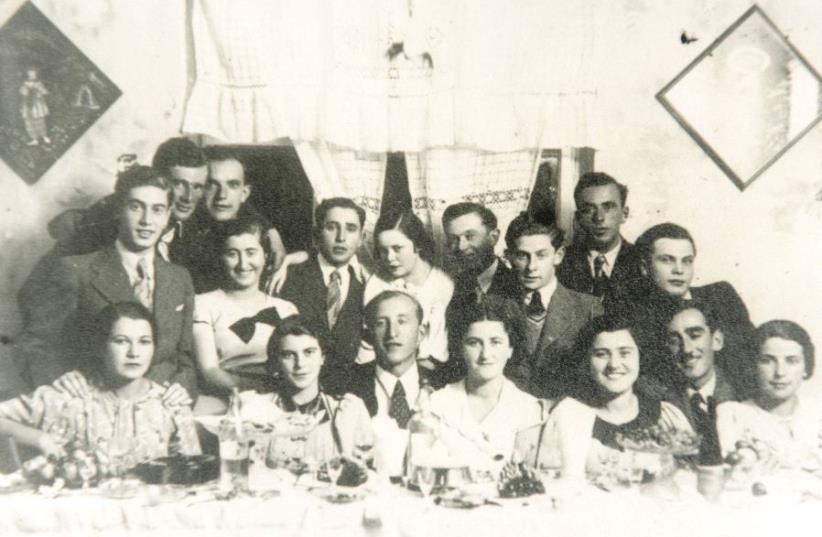 La famille Halperin à Zborow avant la Shoah (photo credit: DR)