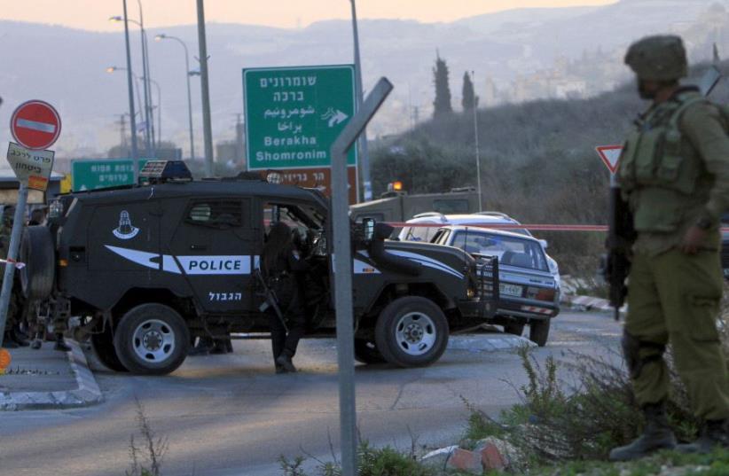 Hawara checkpoint (photo credit: REUTERS)