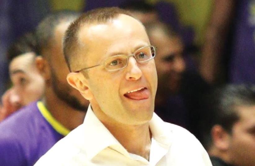 Hapoel Holon coach Dan Shamir was disappointed with his team's 78-68 loss at Ironi Nahariya (photo credit: ADI AVISHAI)