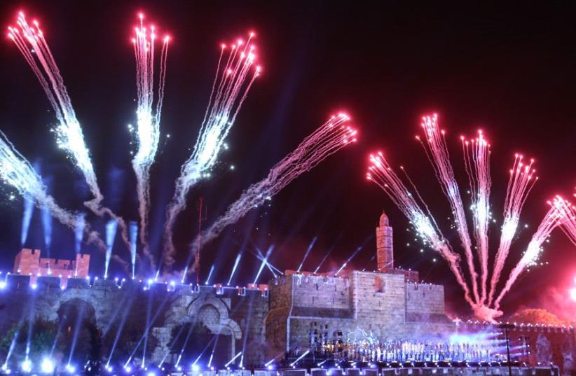 Fireworks over Jerusalem's Old City May 21, 2017 (photo credit: MARC ISRAEL SELLEM)