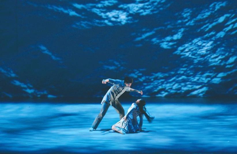 Choreographer Yabin Wang reinterprets the novel 'The Moon Opera' (photo credit: ZHANG XIAOLEI)
