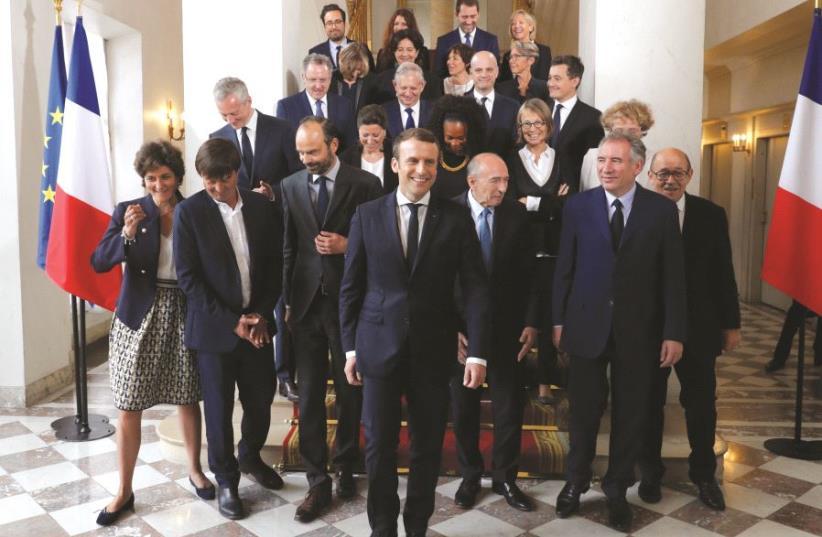 Emmanuel Macron et son gouvernement (photo credit: REUTERS)