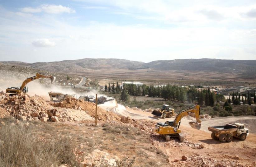 Construction in Shiloh. (photo credit: MARC ISRAEL SELLEM/THE JERUSALEM POST)