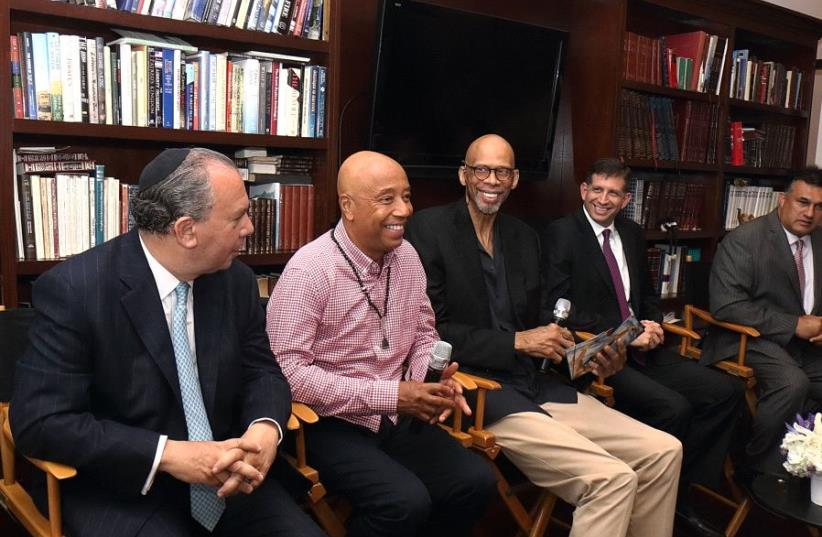 Basketball Legend Kareem Abdul-Jabbar and Media Mogul Russell Simmons Join in Special Iftar Dinner Hosted by Consul General of Israel Sam Grundwerg. (photo credit: MICHELLE MIVZARI)