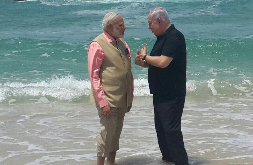 Israeli Prime Minister Benjamin Netanyahu and Indian Prime Minister Narendra Modi tour Dor Beach on the third day of Modi's visit to Israel (photo credit: Courtesy)
