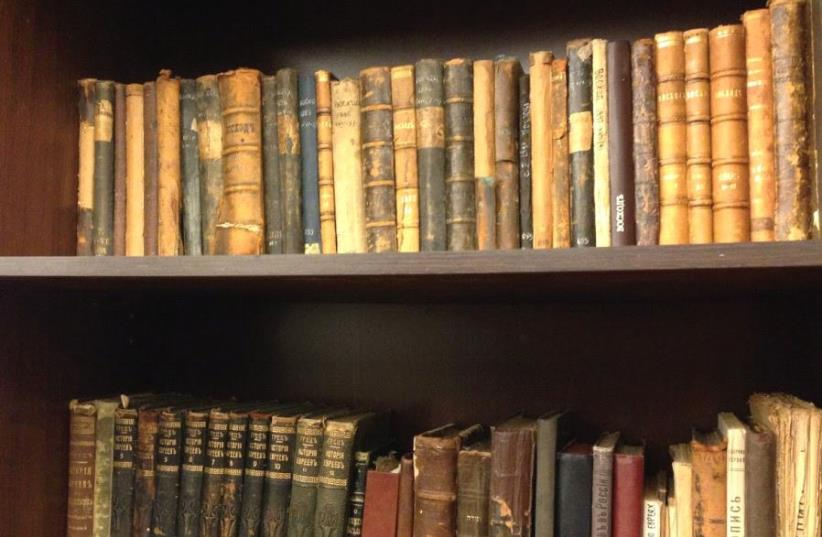 Along with its new digitized contents, the Jewish Museum in Moscow will not be without books, especially Russian and Yiddish tomes (photo credit: JULIE MASIS)