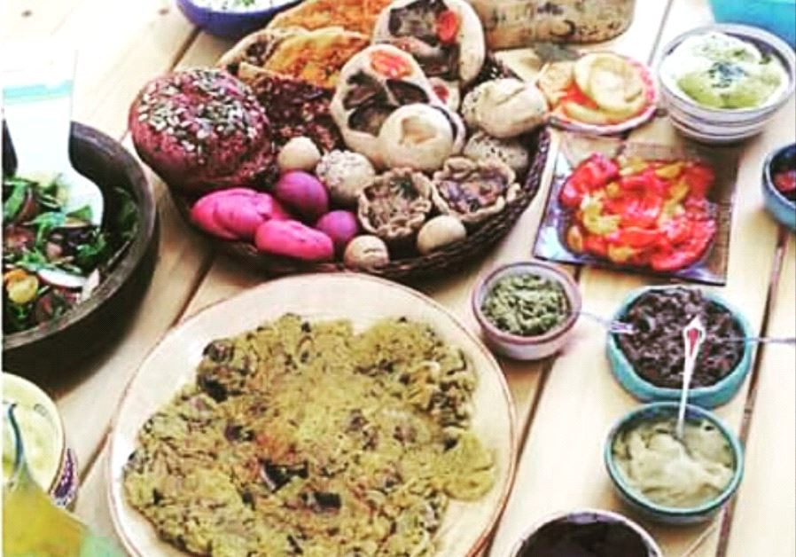 Homemade Israeli vegan food (Alona Lahav).