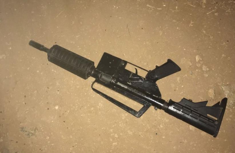 Weapon used to shoot at Israeli Police in Nabi Salih July 16 (photo credit: COURTESY ISRAEL POLICE)