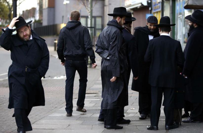 British Jews (photo credit: PAUL HACKETT/REUTERS)