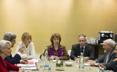 Negotiators at Iran nuclear talks in Geneva, November 9, 2013.