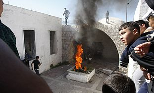 Palestinians burn tires at Joseph's tomb