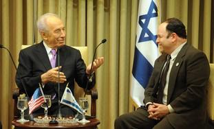 Jason Alexander meets President Peres