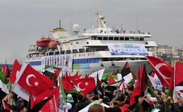 Welcoming ceremony for the Mavi Marmara - Photo: REUTERS/Stringer
