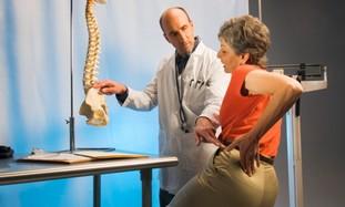Back pain [illustrative] - Photo: Thinkstock/Imagebank