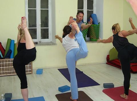 Flow power yoga