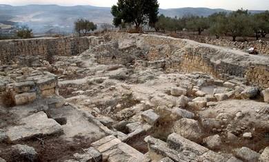 Samaria ruins of Iron Age acropolis (BiblePlaces.com)