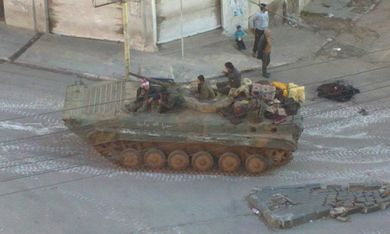 Syrian tank in a Damascus suburb [file]