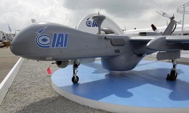 IAI Heron UAV aircraft - Photo: Tim Chong/Reuters