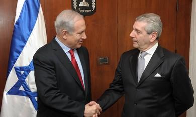 PM Netanyahu meets Italian Defense Minister.