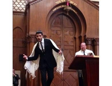 Drake rapping at the