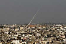 'Hamas trying to stop Gaza groups from firing rockets'