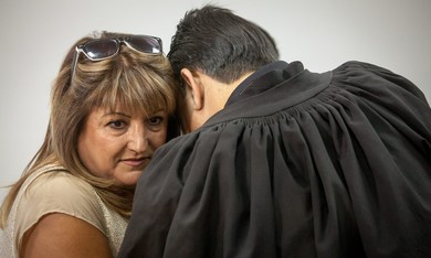 Shaula Zaken embraces lawyer