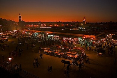 Marrakesh Square at night (WikiCommons)