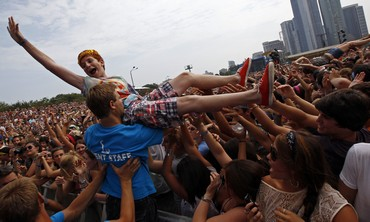 Crowdsurfing at Lollapalooza Chicago [file]