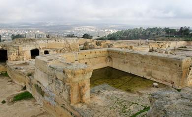 Nebi Samwil excavations (BiblePlaces.com)