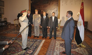 Morsy swears in new Defence Minister